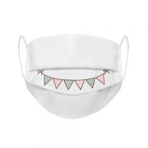 """Mundmaske von Shirtinator mit dem Design """"Fähnchen Smile"""" in Frontansicht"""