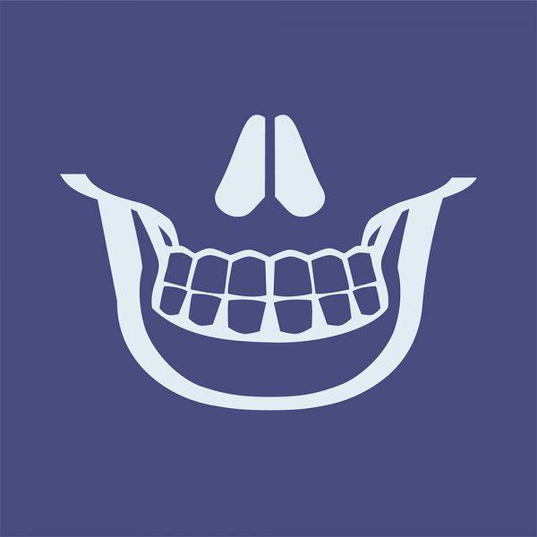 """Mundmaske von Shirtinator mit dem Design """"Skull Smile"""""""